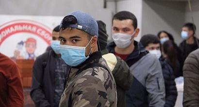 Хуснуллина попросили расширить условия возврата иностранных рабочих на площадки