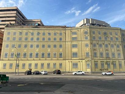 Старейшее здание Девичьего поля в Москве продадут на аукционе